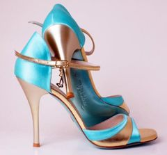 gold y turquoise shoes